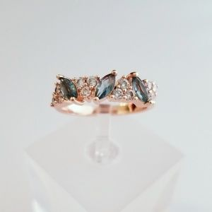 Jewelry - London Blue & Rose Gold Ring